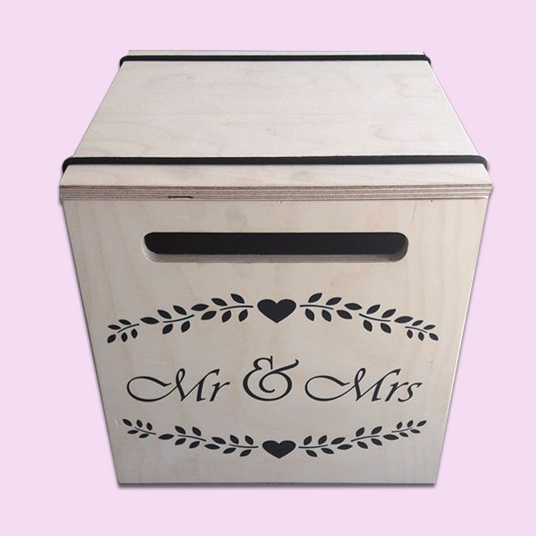 Mr & Mrs envelope gift box