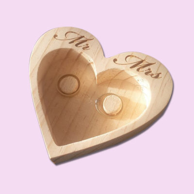 Mr & Mrs heart Ring holder